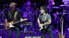 Dynamic duos Hall and Oates, Tears for Fears triumph at rescheduled Staples Center residency