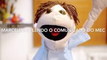 MEC chama jornalista de comunista e vira meme na web