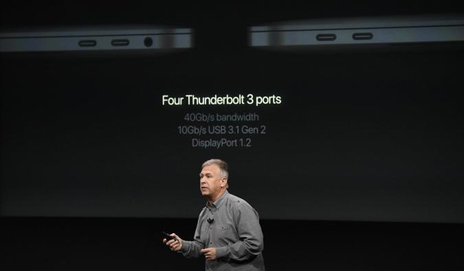 Apple rebaja el precio de sus adaptadores tras las quejas por los MacBooks Pro