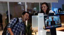 Facebook presenta nuevo servicio de video chat Portal y dispositivos de transmisión de TV