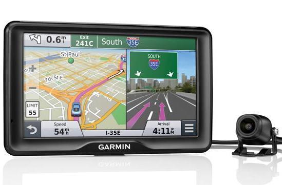 Garmin's latest GPS navigator has a backup camera for avoiding fender benders