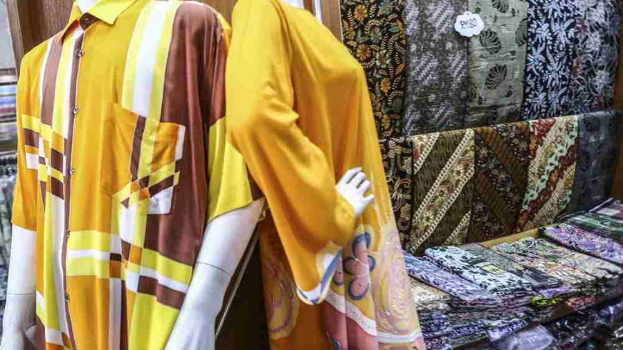 What would it take to make Malaysians wear (our own) batik again?