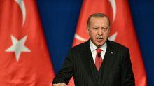 Erdogan fica em situação desconfortável após morte de mais de 30 soldados turcos na Síria