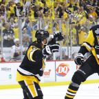 Penguins win Game 1 after going 37 minutes without shot