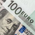 EUR/USD Price Forecast – Euro showing signs of life again