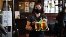 """""""Vous restez à la maison, c'est tentant"""": les Britanniques boivent plus d'alcool qu'avant le confinement"""