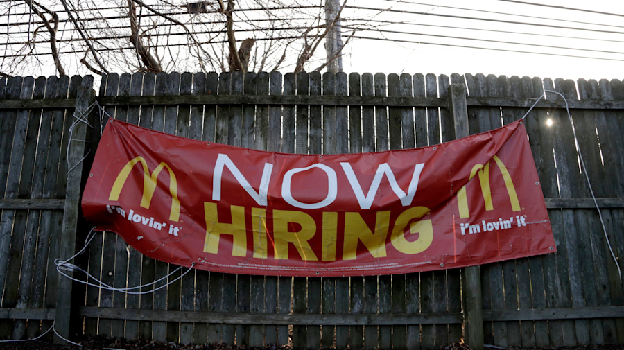 Underemployment for recent grads worse today than in early 2000s