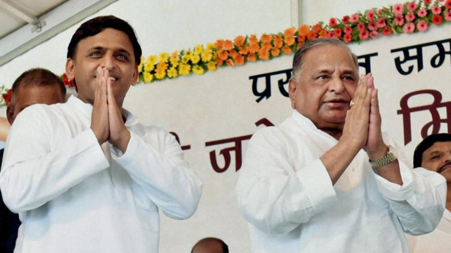 SC Issues Notice to CBI in Assets Case Against Mulayam, Akhilesh