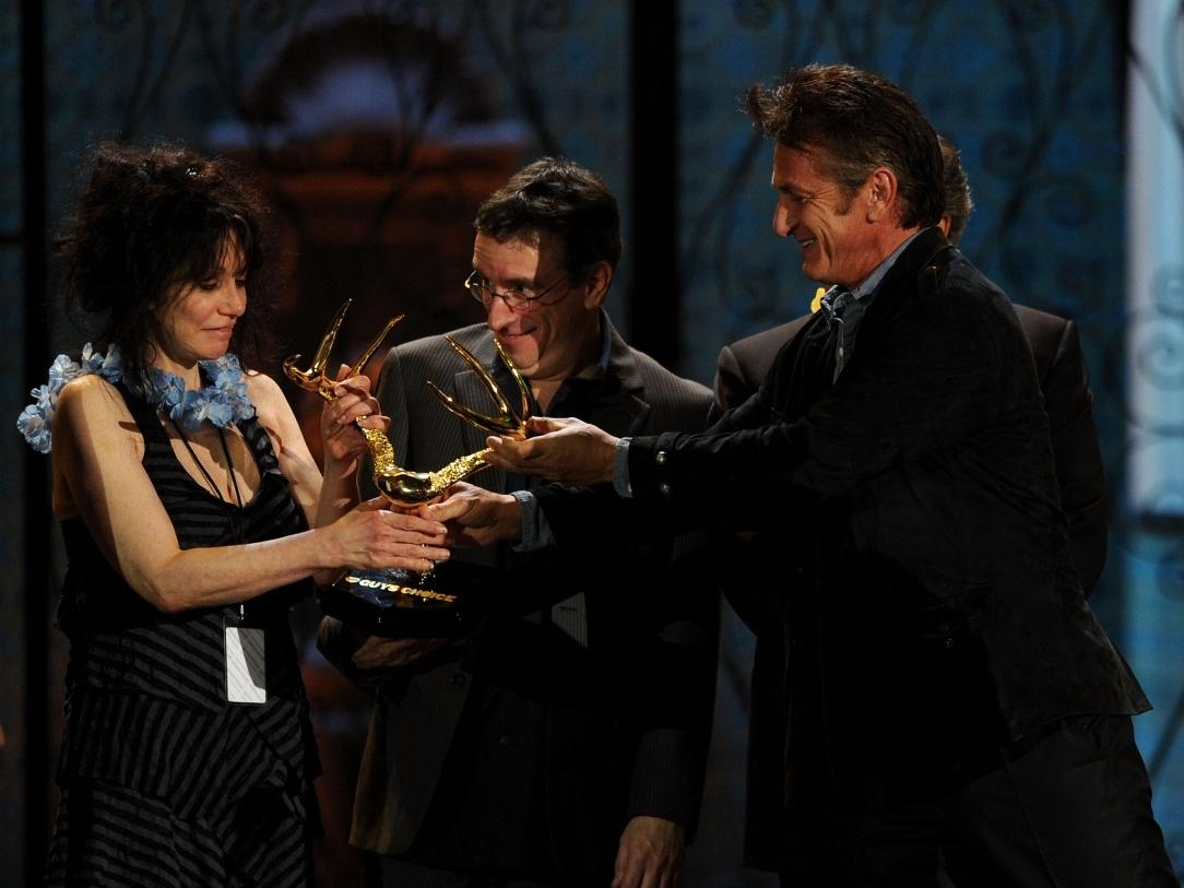 Sean Penn presents a Guys' Choice Award to 'Ridgemont High' director Amy Hecklering in 2011.