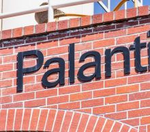 Palantir Stock Reverses Up As Revenue Tops Estimates Amid Tech Sell Off