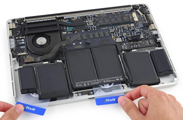 iFixit kit helps with that tricky Retina MacBook Pro battery swap