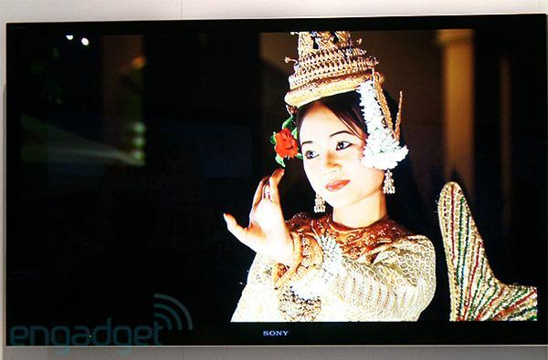 Sony demos Bravia HX950 flagship HDTV at IFA, confirms pricing from €2,999 (hands-on video)