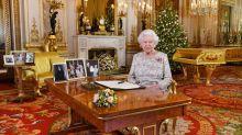 Diese Fotos standen bei der Weihnachtsansprache auf dem Tisch der Queen