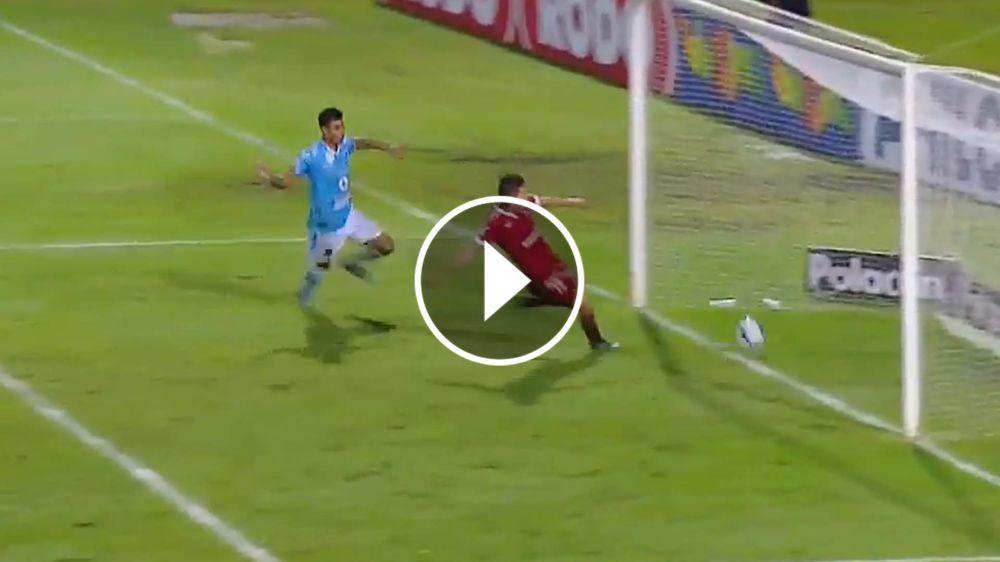 VIDEO: ¡Qué golazo! Velázquez ridiculizó a Marcos Díaz y puso arriba al CADU