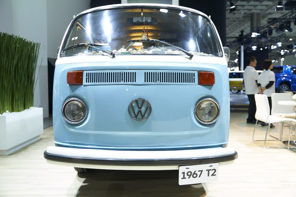 1967年首批的第二代福斯麵包車,這是正福斯的廂型車,可不是國產車山寨的胖卡喔!