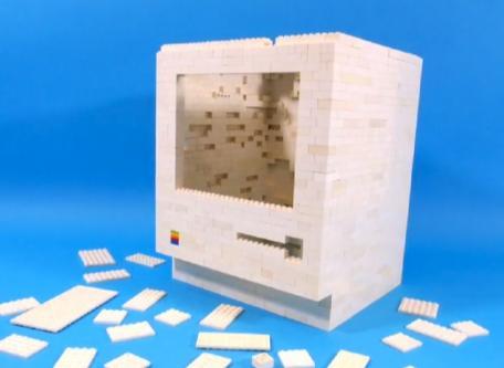 LEGO 'Mac Classic' is a do-it-yourself iPad dock (video)