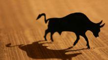 Acciones en EEUU Apoyadas por Beneficios, Piden Más Estímulos de los Bancos Centrales