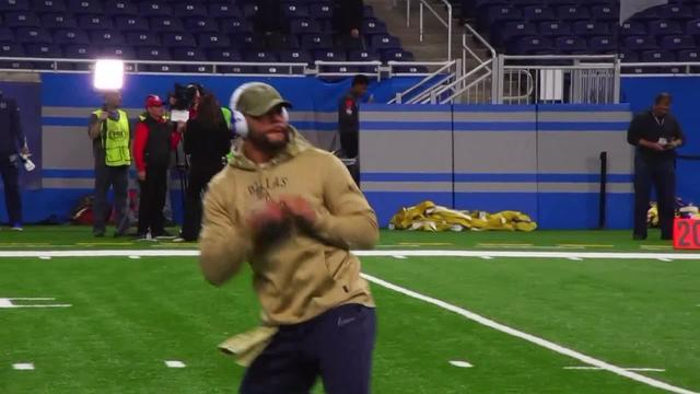 The Hip Whip is back! Dak Prescott does his viral routine ahead of Cowboys-Lions - Yahoo Sports