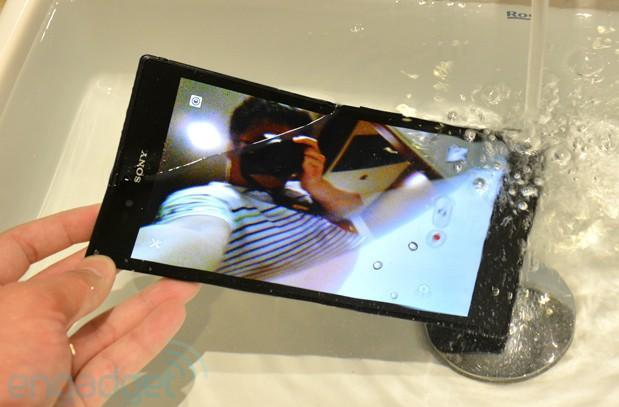 Sony Xperia Z Ultra hands-on redux: benchmark and camera preview