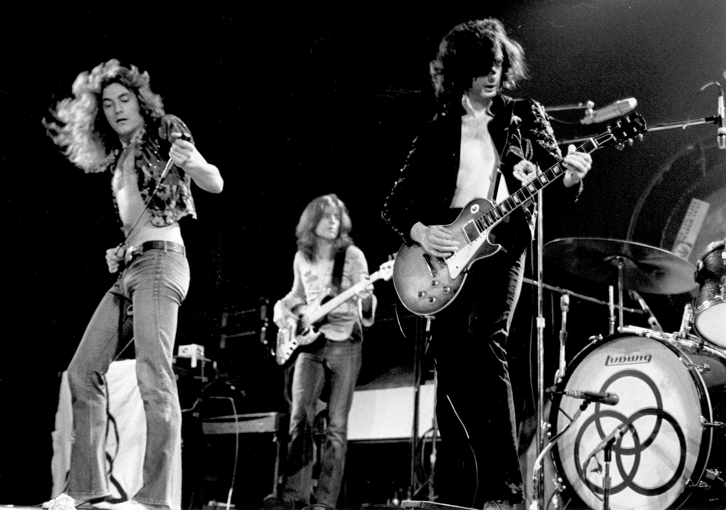 led zeppelin wins trial over whether they copied stairway to heaven. Black Bedroom Furniture Sets. Home Design Ideas