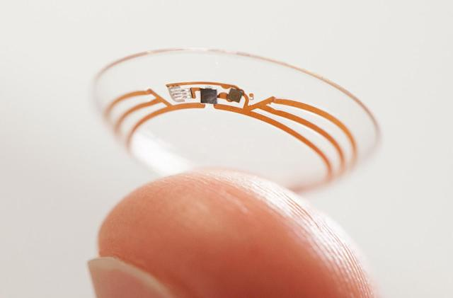 Alphabet's autofocusing contact lens won't be tested in 2016