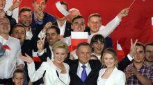 波蘭總統驚險連任  執政黨面臨更強勢反對陣營