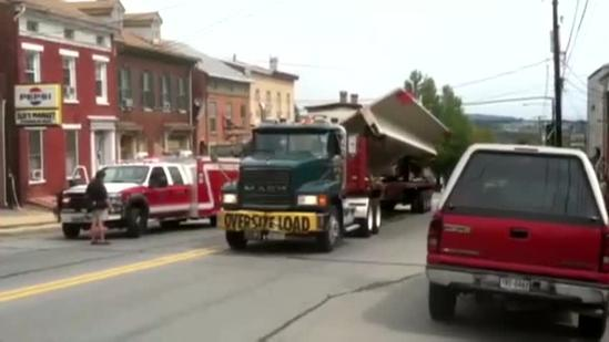 Raw video: Route 462 truck crash scene
