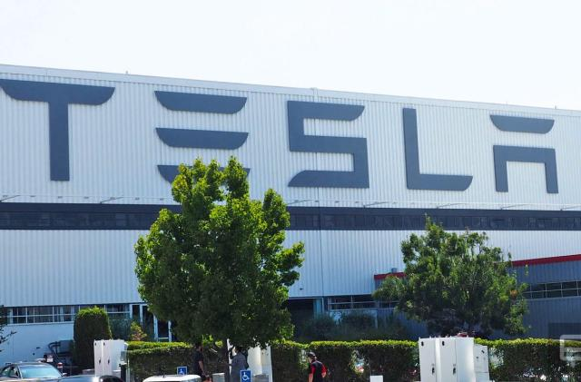 Can Tesla avoid becoming the BlackBerry of electric cars?
