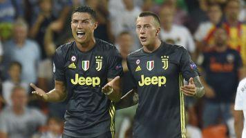 Ronaldo seeing red in Juventus CL debut