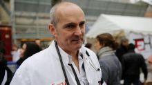 """Masque obligatoire partout : """"Ça rassure les municipalités mais ça n'aura pas un grand poids sur le développement"""" du coronavirus, affirme un médecin"""