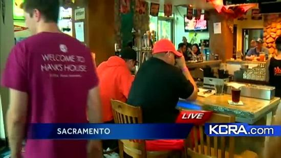 Giants Fans in Sacramento gather to watch game