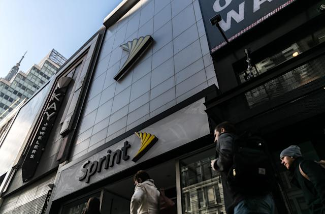 Sprint's newest Unlimited plan includes Amazon, Hulu and Tidal
