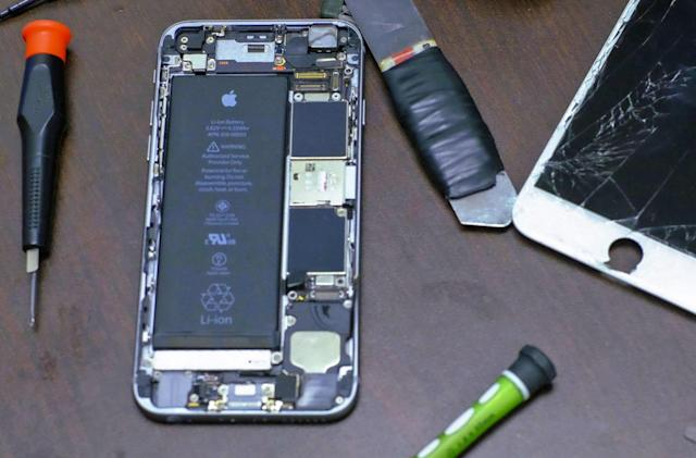 Apple offers its iPhone repair tools to third-party shops