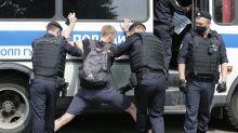 Rusia: Arrestan a grupo que exige liberación de experiodista