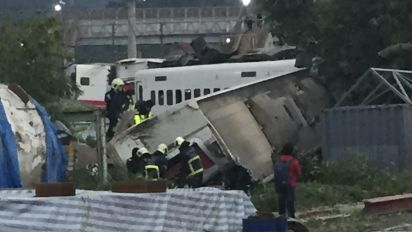 Taiwan train crash kills 18, injures at least 160