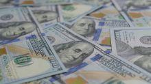 Pareja gasta 120,000 dólares depositados en su cuenta bancaria por error y los arrestan