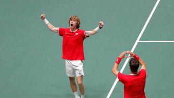 La Russie assomme Djokovic et se hisse en demi-finale de la Coupe Davis