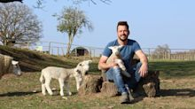 Jimmy Doherty: Social distancing is a problem when you're trying to catch a sheep
