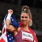 Olympics-Athletics-American Allman all smiles after winning discus gold