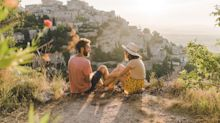 Vacances en France : les 3 grandes tendances de l'été selon Airbnb