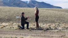 Ao ver a filha sendo pedida em casamento, pai tem a melhor reação e viraliza