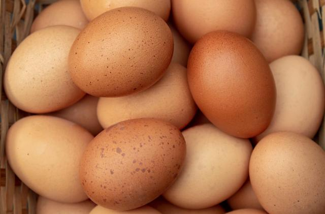 Stock photo of an egg beats Kylie Jenner's Instagram record