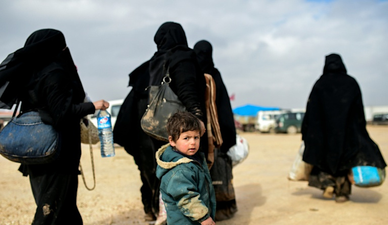Camps full as tens of thousands flee regime in Syria's Aleppo