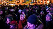 Ukraine protesters demand no 'capitulation' to Russia