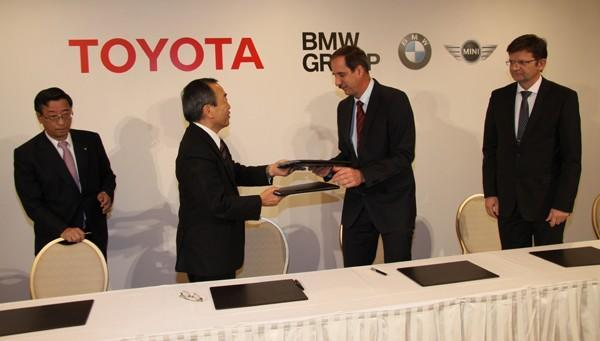 BMW and Toyota to collaborate on future lithium-ion tech, love notes