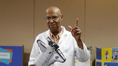 Apollo engineer: Science not about being a geek