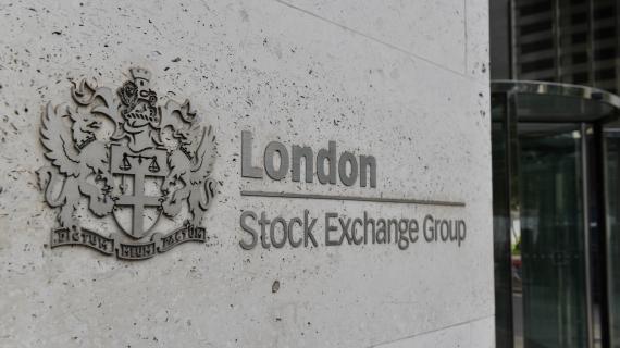 FTSE pushes higher despite UK retail sales falling again