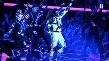 Watch Lil Nas X Put Futuristic Twist on 'Old Town Road,' 'Panini' at 2019 VMAs