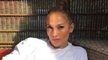 Jennifer López presume de su abdomen de hierro