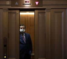 American Airlines reaches out to remind Sen. Ted Cruz about face mask use amid COVID-19 pandemic